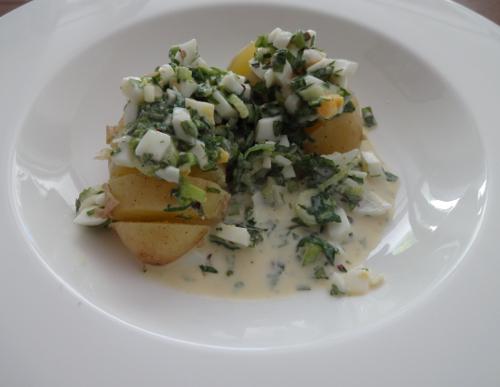 Kartoffeln mit Wildkräutersauce